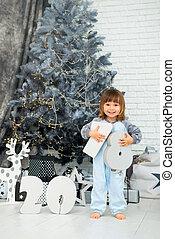 hermoso, sonriente, árbol., figuras, 2018, bebé, emocional, niña, navidad