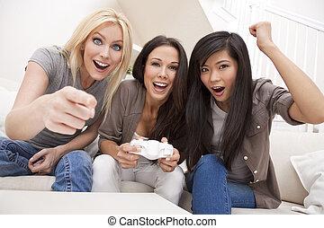 hermoso, tres, juegos de computadora, hogar, amigos, juego, mujeres