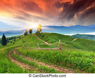 hermoso, verano, aldea, salida del sol, montaña