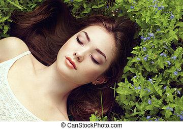 hermoso, verano, mujer, jardín, joven, retrato