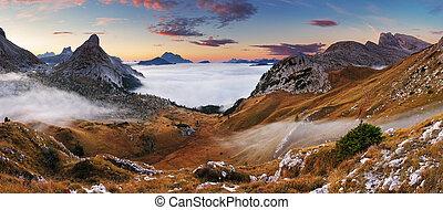 hermoso, verano, paisaje, en, el, montañas., salida del sol, -, italia, dolomites
