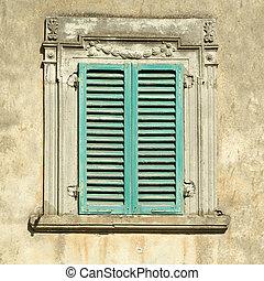hermoso, verde, ventana, viejo, obturadores