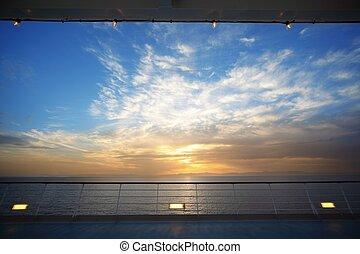 hermoso, vista, de, cubierta, de, vaya barco, en, evening., sunset.