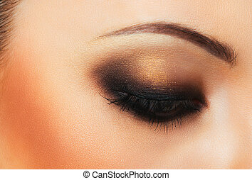 hermoso, womanish, ojo, con, maquillaje