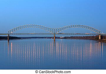 Hernando deSoto Bridge - I-40 Interstate through Hernando de...