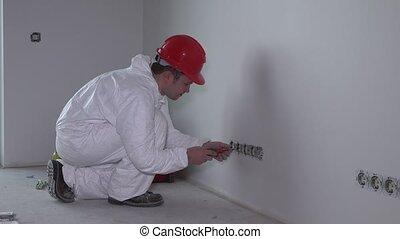 herstelling, elektromonteur, contactdoos, muur, woning, opstellen, schroevendraaier, inbouwdoos, nieuwe man