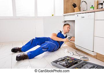 herstelling, installatiebedrijf, mannelijke , zinken