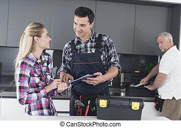 herstelling, vrouw, vorm, plumber., flirts, werken, jonge, plumbers., zij, tekens & borden