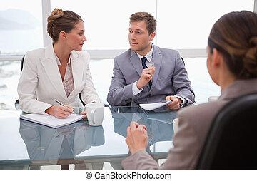 het beraadslagen, zakelijk, advocaat, team