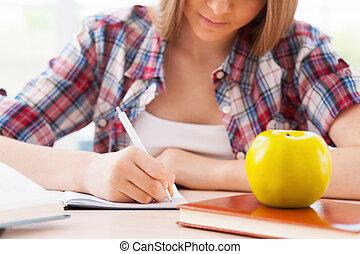 het bereiden, om te, exams., bebouwd, beeld, van, zeker, bakvis, studerend , terwijl, zittende , op, de, bureau