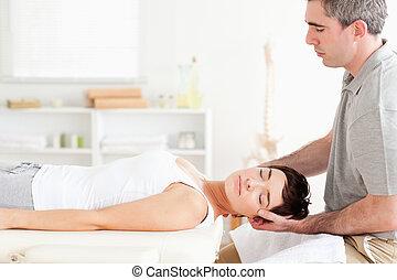 het charmeren, vrouw, chiropractor, stretching