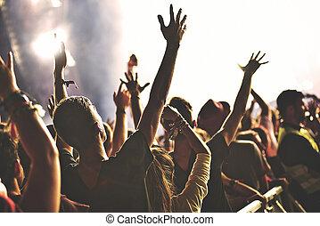 het genieten van, achterkant, concert, menigte, aanzicht