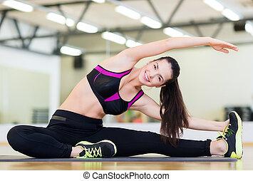 het glimlachen, bakvis, stretching, op, mat, in de gymnastiek