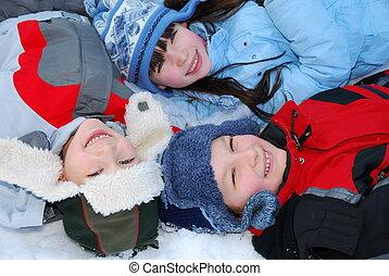 het glimlachen, kinderen, in, winter