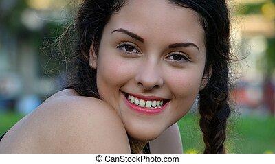 het glimlachen meisje, vrolijke