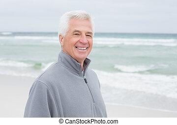 het glimlachen, ongedwongen, hogere mens, op, strand