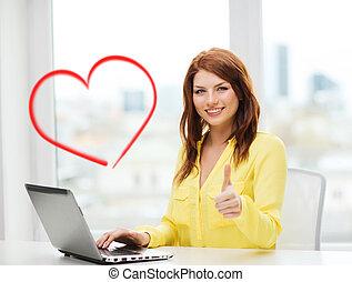 het glimlachen, student, met, laptop computer, op, school