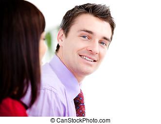 het glimlachen, zakenman, kijken naar van het fototoestel