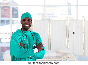 het kijken, afro-amerikaan, fototoestel, chirurg, het glimlachen