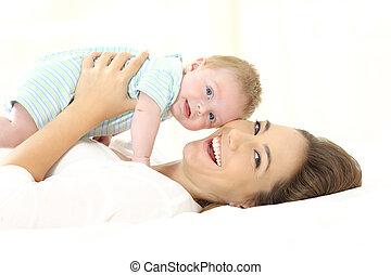 het kijken, baby, fototoestel, bed, moeder