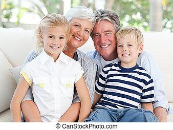 het kijken, fototoestel, gezin, vrolijke
