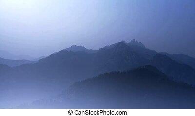het kijken, lagen, bergen., ongeveer