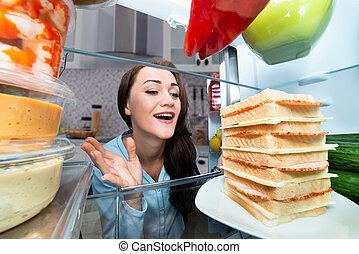 het kijken, vrouw, koelkast, broodje
