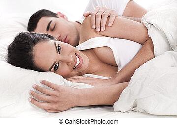 het liggen, hartelijk, echtgenoot, bed, vrouw