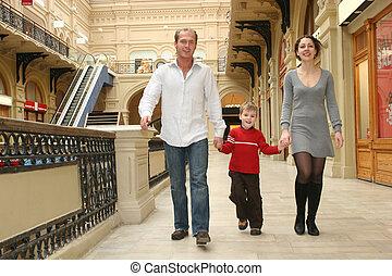 het lopen van de familie, in, winkel