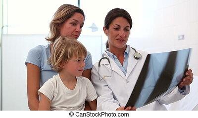 het onderzoeken, rontgen, volgende, arts