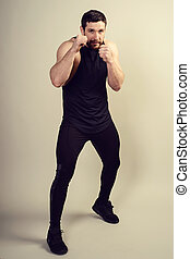 het poseren, figuur, model, man, mooi, atletisch, het tonen, mannelijke , studio, positief, beauty
