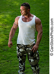 het rusten, bodybuilder, drinkt, proteine verwiken
