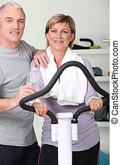 het rusten, paar, na, middelbare leeftijd , fitness