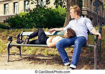 het rusten, paar, park, romantische, bankje