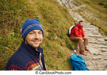 het rusten, ruw, berg, hikers, spoor, het glimlachen