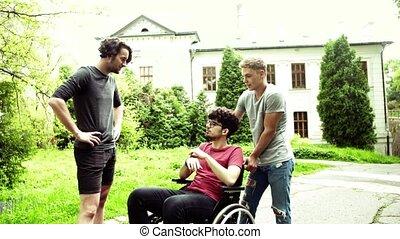 het spreken., stad, wheelchair, twee, invalide, jongens,...