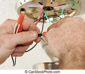 het verbinden, elektromonteur, draden