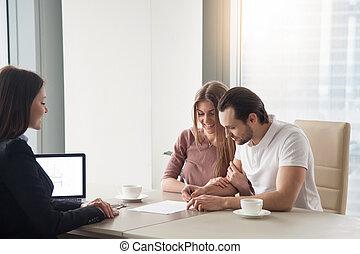 het verhuren, ondertekening, paar, kopen, overeenkomst, contracteren, flat