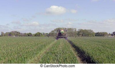 het verstuiven, tractor, landbouwkundig, verboden, land,...