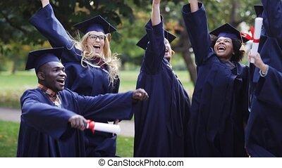 heureux, étudiants, dans, mortier, conseils, à, diplômes
