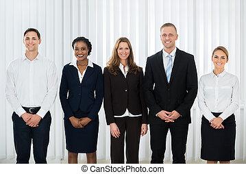 heureux, businesspeople, à, lieu travail