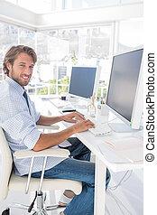 heureux, concepteur, travailler, sien, bureau