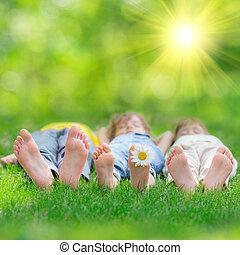 heureux, enfants jouer, dehors