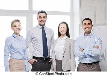 heureux, equipe affaires, dans, bureau