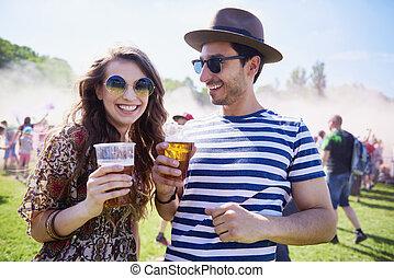 heureux, festival, été, couple
