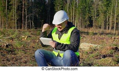 heureux, forêt, tablette, ingénieur