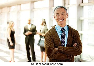 heureux, homme affaires
