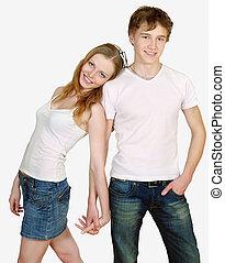 heureux, jeune couple, debout, ensemble