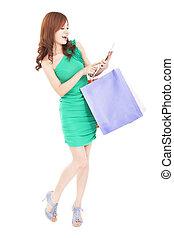 heureux, jeune femme, achats, sur, internet, par, pc tablette