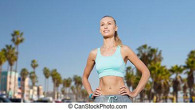 heureux, jeune femme, faire, sports, dehors